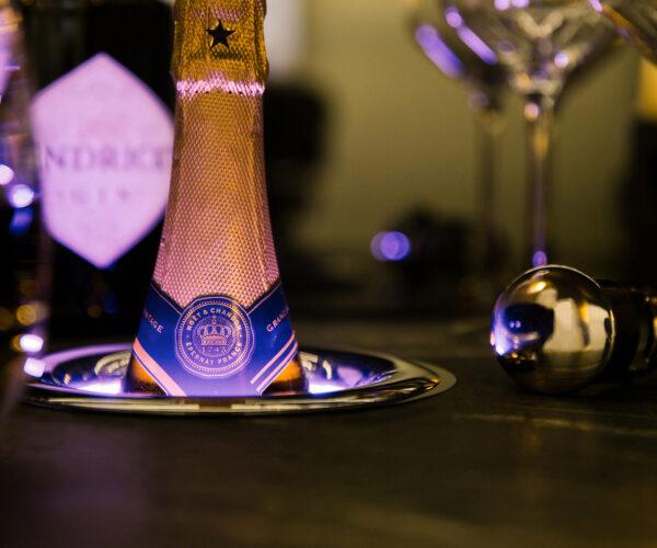 Kaelo wijnkoeler in bar geintegreerd