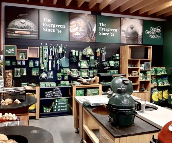 Cookers & Grills showroom Big Green Egg Kamado Joe Bastard Napoleon Primo 1